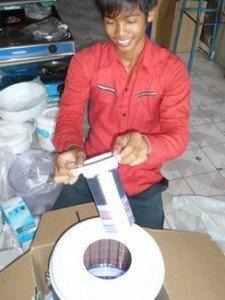 Quelques benevoles a Chom Chau dans Cb - Orphelinat enfants handicapés à Steung Mean Chey/Chom Chau P1170933_resize_resize-225x300