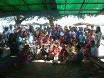 Photo de groupe avec une dizaine de nounous, nous, les benevoles de notre association et 70 enfants handicapes !