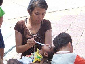 Pause pour la collation en plein PP, a Koh Pich (la petite presqu'ile au diamant)