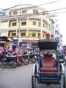 les cyclos pousse sont de plus en plus rares dans les rues de PP !