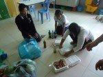 Les nounous s'organisent pour la distribution pour chaque réfectoire