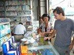 J'ai accompagné les bénévoles a la pharmacie munis de l'ordonnance du médecin qui a ete remise aux etudiants directement