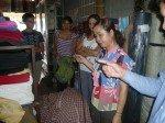 Nous sommes allés aussi au marché pour acheter du tissu pour la confection des langes a l'anciennes...