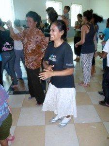 Juana, notre mere Theresa, etait aussi heureuse que les gamins