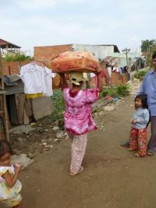 Cette maman est trop contente et repartait aussitôt pour montrer à ses enfants.