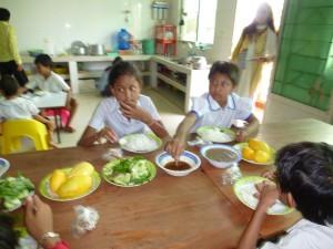 Heureuses de changer le quotidien avec ce que Francine leur a permis de manger ce jour