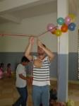 Le jeu des jarres (kor-amr, en khmer) consiste à casser l'objet avec un bâton à l'aveuglette...les yeux bandés