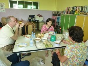 Nous avons été invités par la directrice pour partager le repas