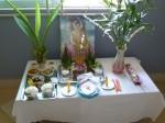 Un petit autel a été dressé pour remercier Bouddha