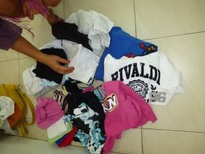 .... pour ces vêtements, merci à Irène de les avoir stockés et merci à Olivia C. de les avoir amenés !