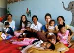 Bénévoles, orphelins et super nounous !