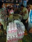 Et des centaines de bouteilles d'eau...Nous avons voulu que ce soit à profusion !