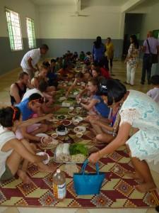 Repas partagé avec toutes les nounous, les bénévoles et nous